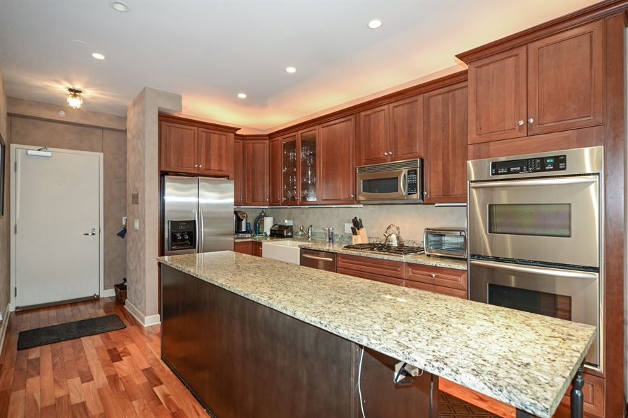 Real Estate Photography - 1111 S State, unit 507, Chicago, IL, 60605 - Kitchen