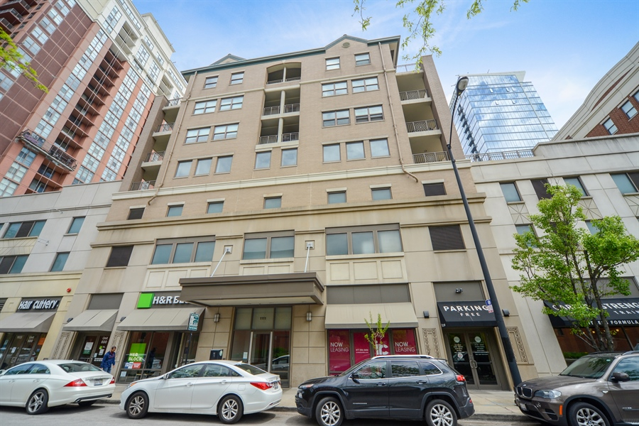 Real Estate Photography - 1111 S State, unit 507, Chicago, IL, 60605 - Front View