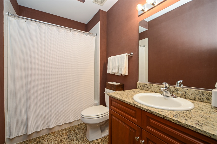Real Estate Photography - 1111 S State, unit 507, Chicago, IL, 60605 - Bathroom