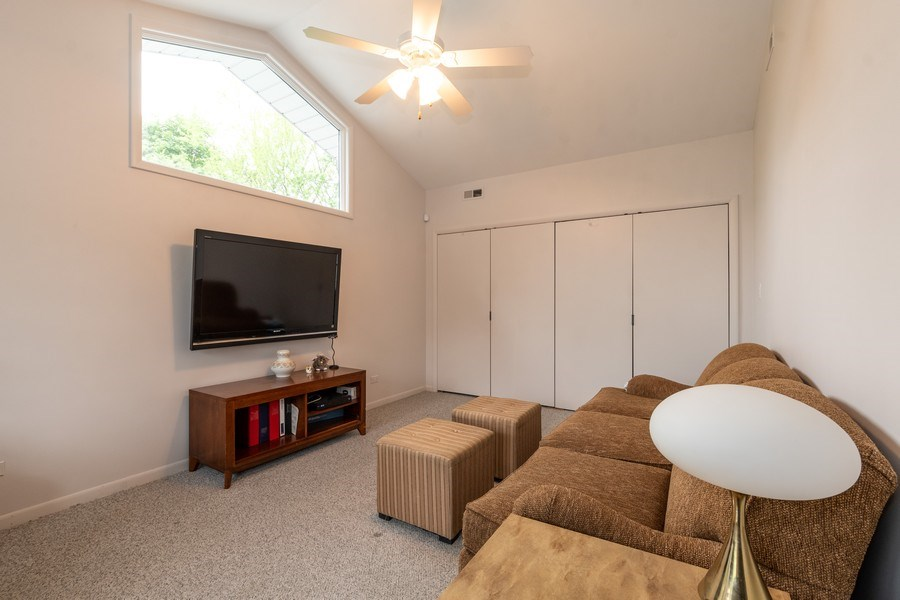 Real Estate Photography - 1930 Phillips, Northbrook, IL, 60062 - Sitting room (master suite)