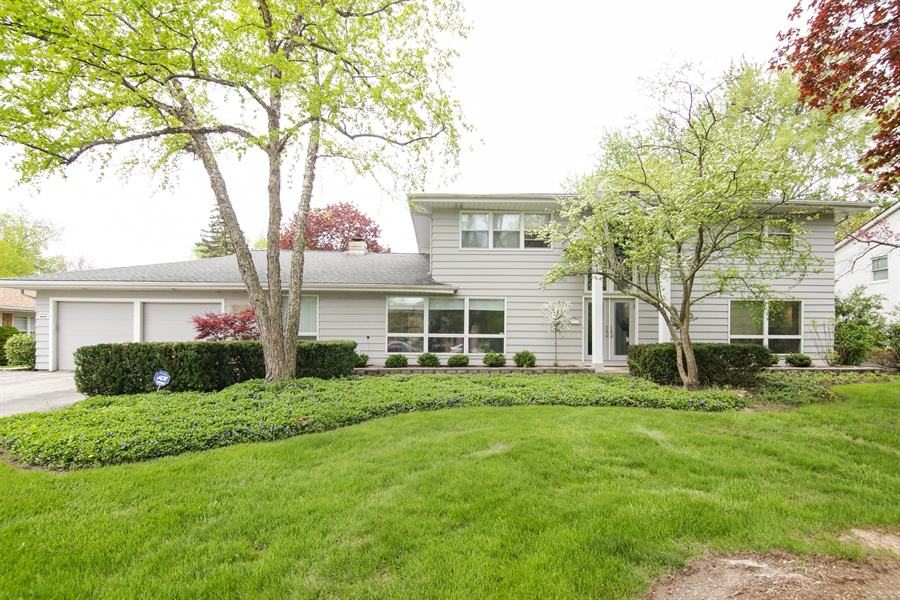 Real Estate Photography - 1930 Phillips, Northbrook, IL, 60062 - Exterior