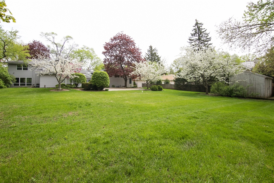 Real Estate Photography - 1930 Phillips, Northbrook, IL, 60062 - Rear View