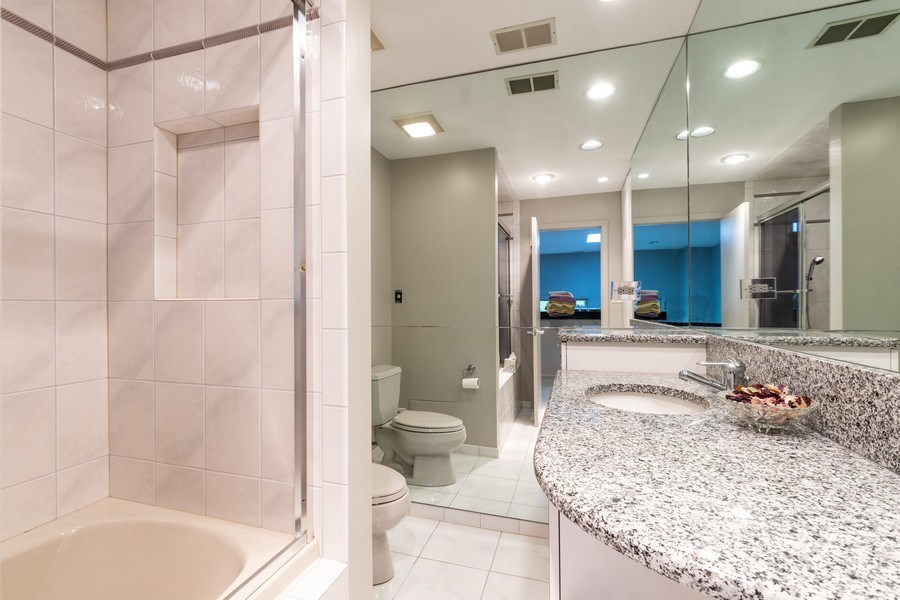 Real Estate Photography - 1930 Phillips, Northbrook, IL, 60062 - Hall bathroom (second floor)
