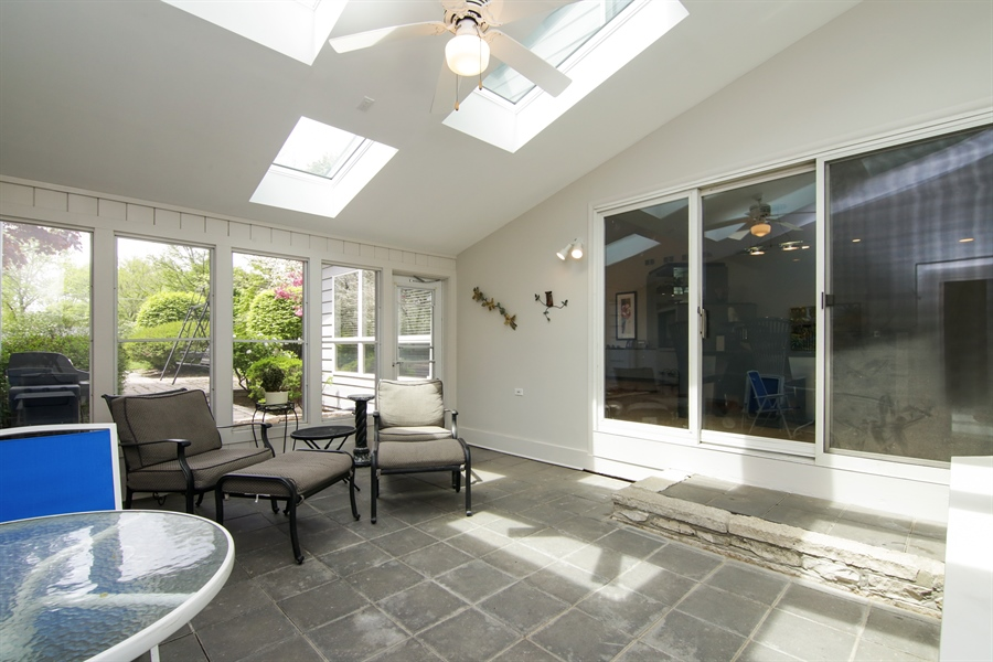 Real Estate Photography - 1930 Phillips, Northbrook, IL, 60062 - Sun room (with vaulted ceiling and sky lights)
