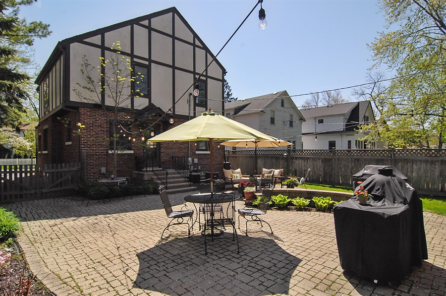 Real Estate Photography - 305 16th St, Wilmette, IL, 60091 - Back Yard