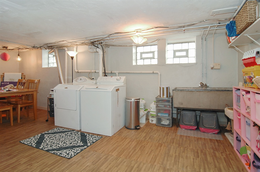 Real Estate Photography - 305 16th St, Wilmette, IL, 60091 - Laundry Room