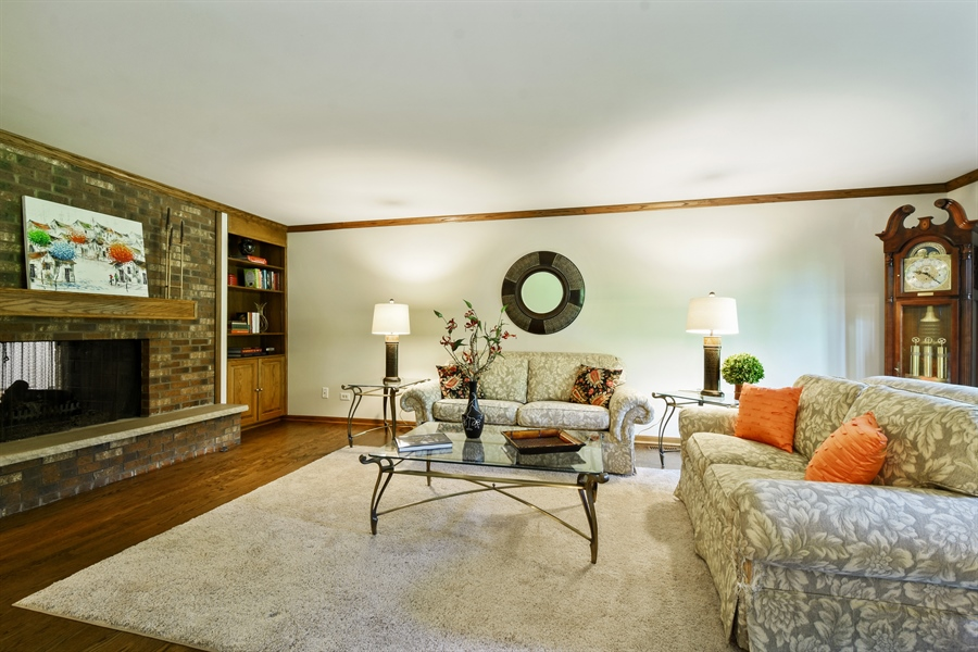 Real Estate Photography - 27948 W Kelsey Rd, Lake Barrington, IL, 60010 - Living Room