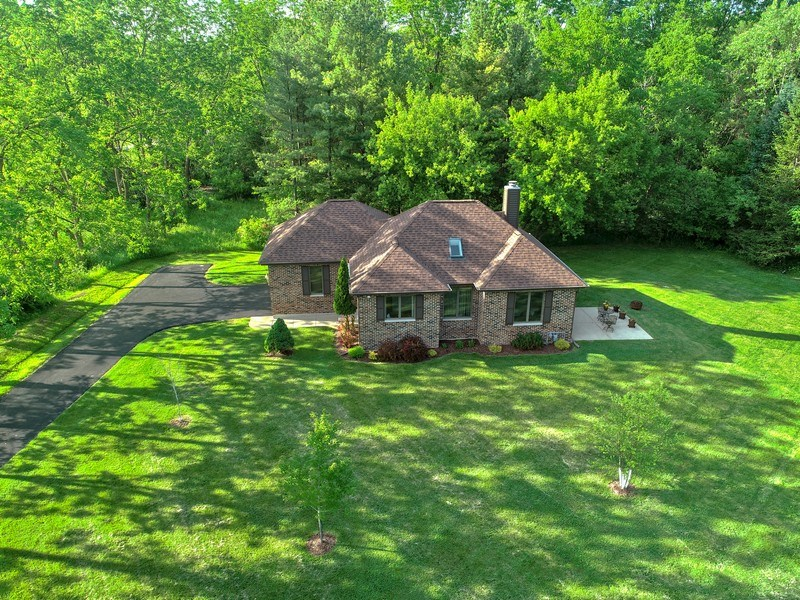 Real Estate Photography - 27948 W Kelsey Rd, Lake Barrington, IL, 60010 - Guest House