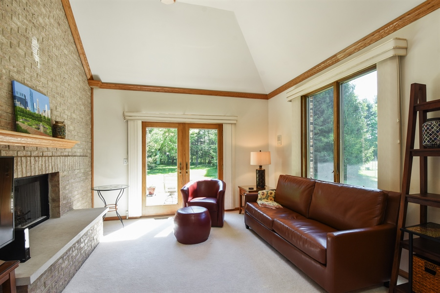 Real Estate Photography - 27948 W Kelsey Rd, Lake Barrington, IL, 60010 - Guest House Living Room