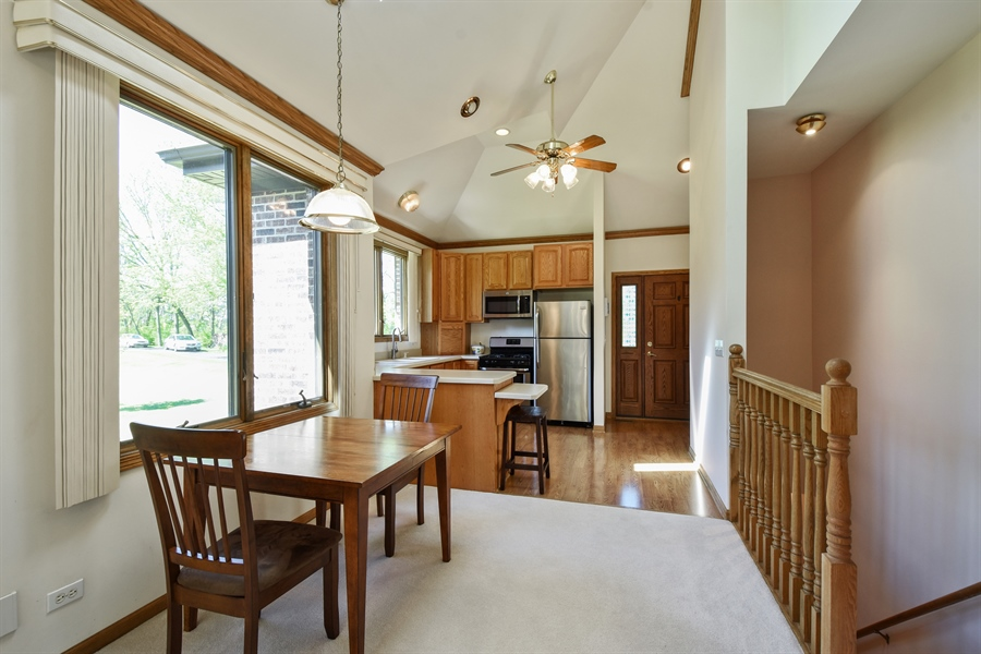 Real Estate Photography - 27948 W Kelsey Rd, Lake Barrington, IL, 60010 - Guest House Eating Area