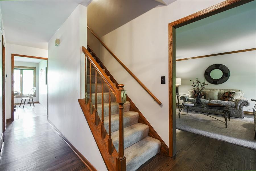 Real Estate Photography - 27948 W Kelsey Rd, Lake Barrington, IL, 60010 - Foyer