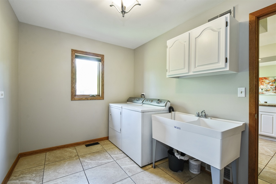 Real Estate Photography - 27948 W Kelsey Rd, Lake Barrington, IL, 60010 - Laundry Room