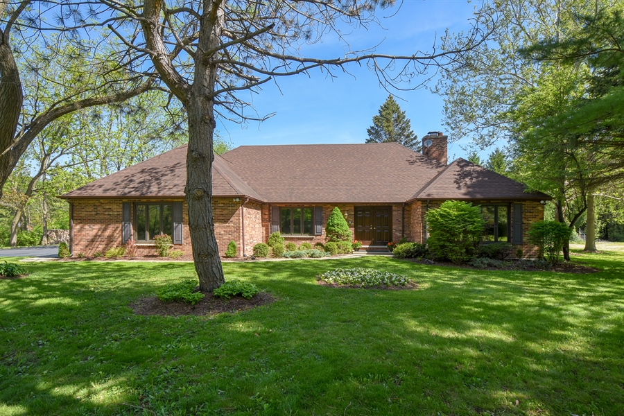 Real Estate Photography - 27948 W Kelsey Rd, Lake Barrington, IL, 60010 - Front View