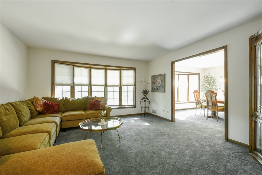 Real Estate Photography - 120 Hidden Oaks Dr, Barrington, IL, 60010 - Living Room