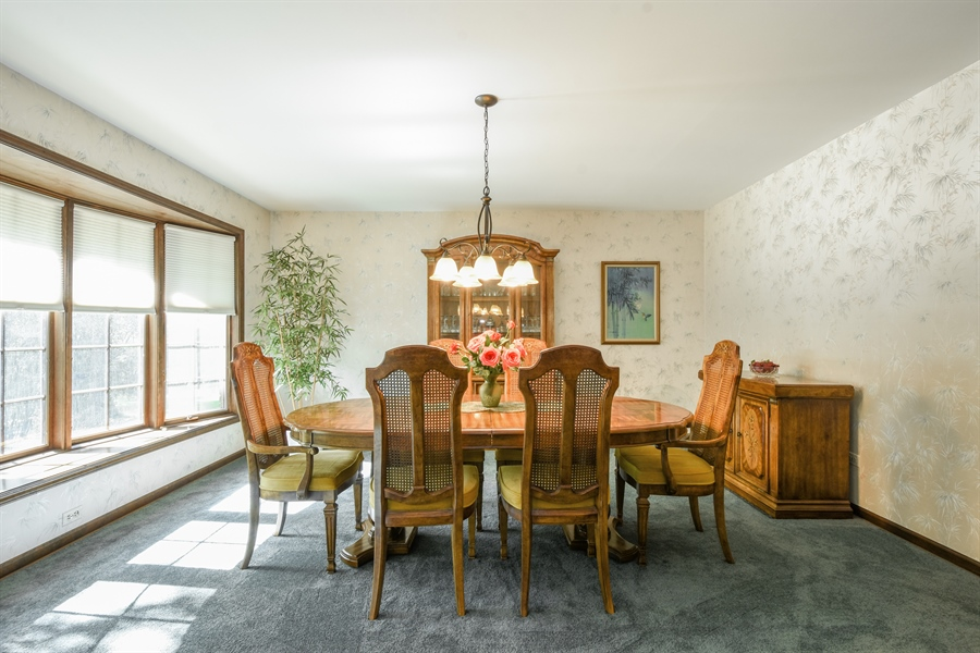 Real Estate Photography - 120 Hidden Oaks Dr, Barrington, IL, 60010 - Dining Room