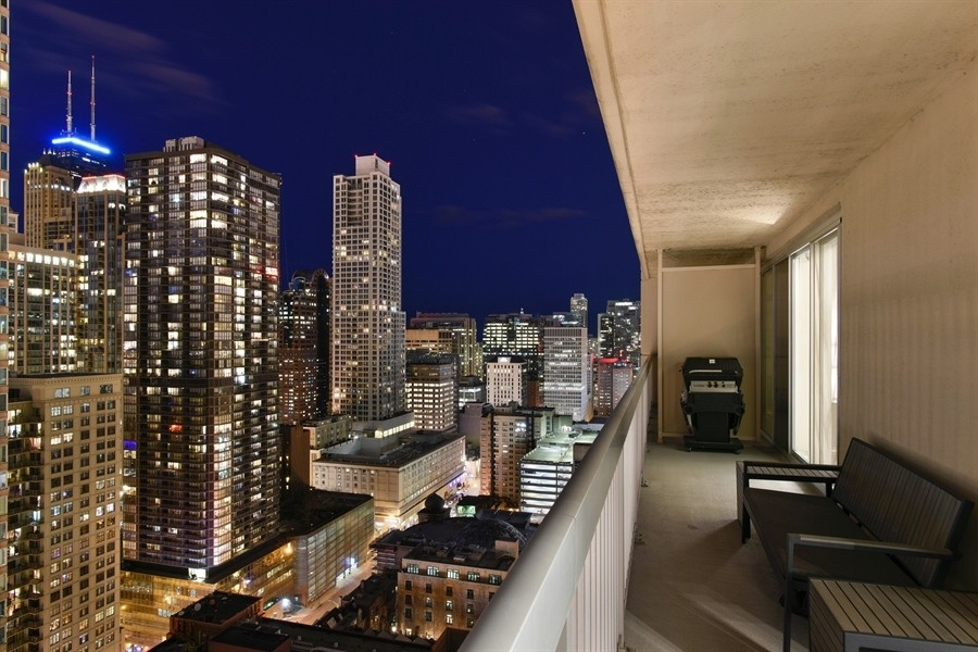 Real Estate Photography - 545 N Dearborn St, Apt 3502, Chicago, IL, 60654 - North East City Views