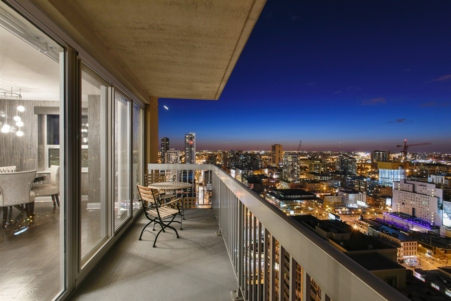 Real Estate Photography - 545 N Dearborn St, Apt 3502, Chicago, IL, 60654 - West City Views