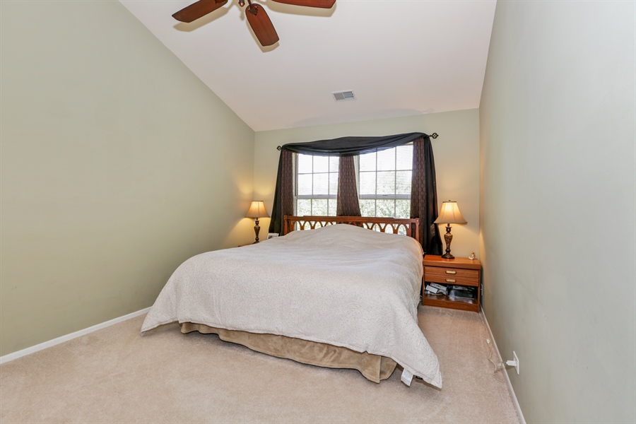 Real Estate Photography - 514 Pembrook ct. S, B, Crystal lake, IL, 60014 - Master Bedroom