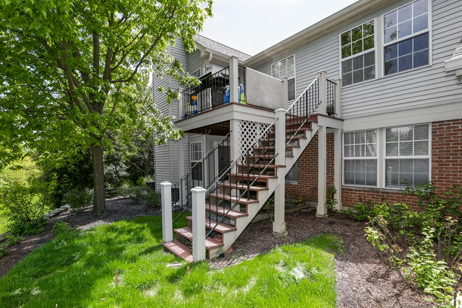 Real Estate Photography - 514 Pembrook ct. S, B, Crystal lake, IL, 60014 - Rear View
