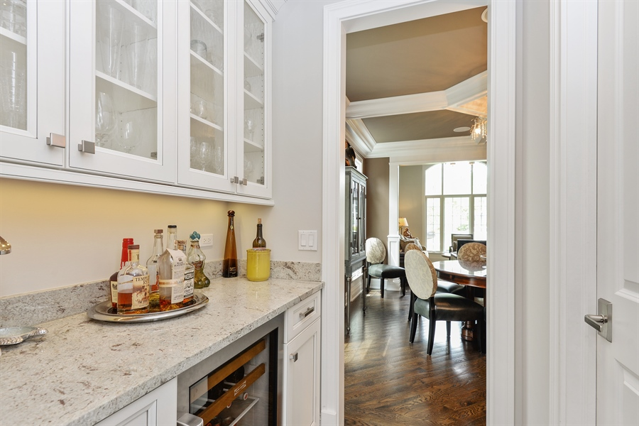 Real Estate Photography - 1001 Woodlawn, Glenview, IL, 60025 - Butler's pantry
