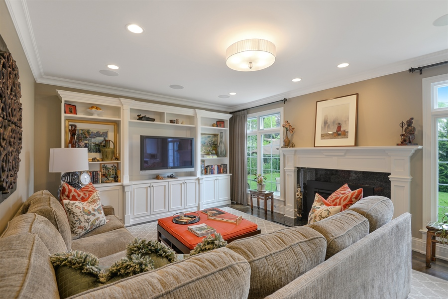Real Estate Photography - 1001 Woodlawn, Glenview, IL, 60025 - Family Room
