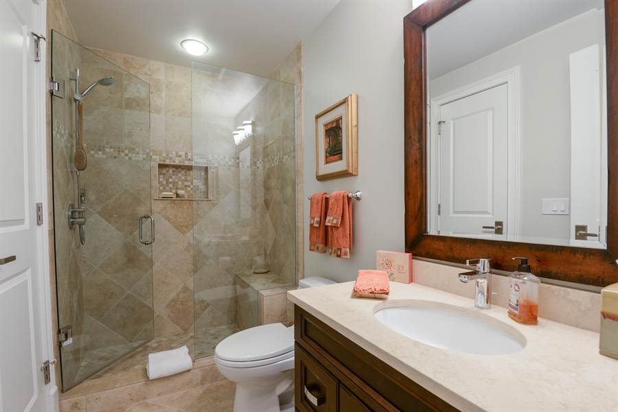 Real Estate Photography - 1001 Woodlawn, Glenview, IL, 60025 - Bathroom