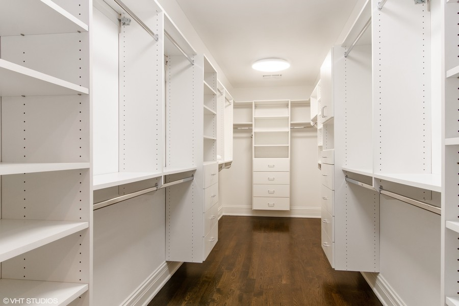 Real Estate Photography - 1001 Woodlawn, Glenview, IL, 60025 - Master Bedroom Closet