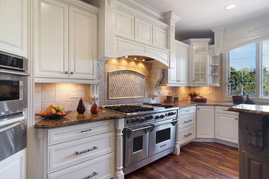 Real Estate Photography - 22358 N. Prairie Lane, Kildeer, IL, 60047 - Kitchen