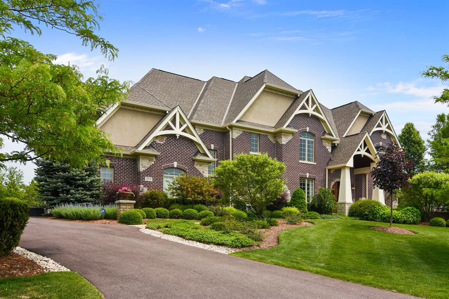 Real Estate Photography - 22358 N. Prairie Lane, Kildeer, IL, 60047 - Side View