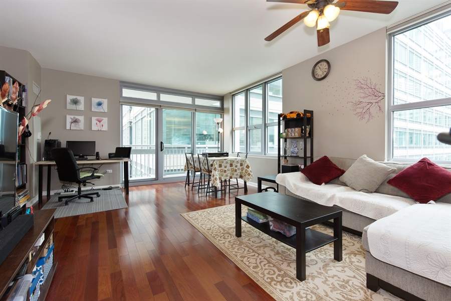 Real Estate Photography - 125 S. Jefferson St., 1704, Chicago, IL, 60661 - Living Room