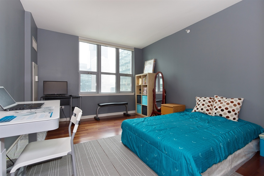 Real Estate Photography - 125 S. Jefferson St., 1704, Chicago, IL, 60661 - 2nd Bedroom