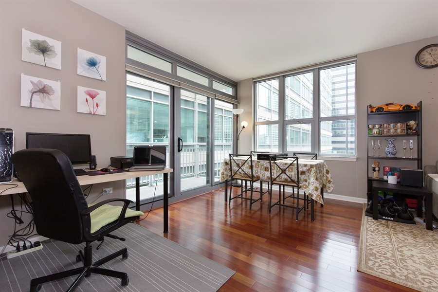 Real Estate Photography - 125 S. Jefferson St., 1704, Chicago, IL, 60661 - Dining Area