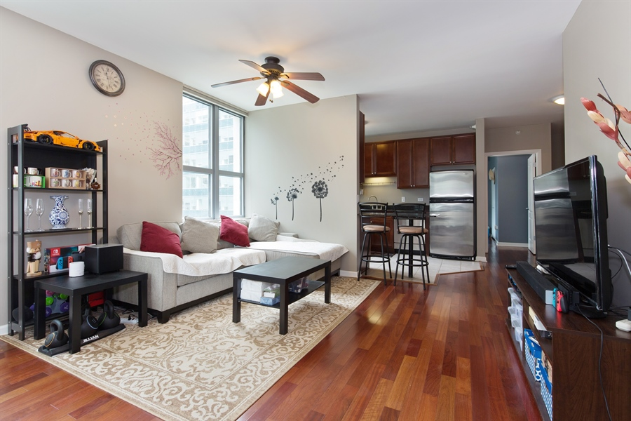 Real Estate Photography - 125 S. Jefferson St., 1704, Chicago, IL, 60661 - Kitchen/Living