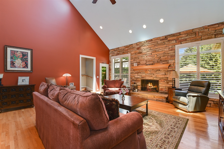 Real Estate Photography - 349 woodland ct, palatine, IL, 60067 - Living Room