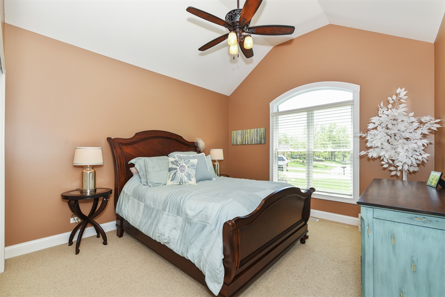 Real Estate Photography - 349 woodland ct, palatine, IL, 60067 - 3rd Bedroom