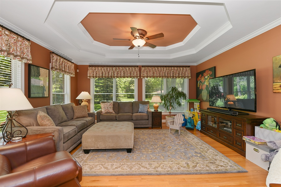 Real Estate Photography - 349 woodland ct, palatine, IL, 60067 - Family Room