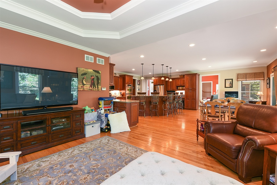 Real Estate Photography - 349 woodland ct, palatine, IL, 60067 - Family Room / Kitchen