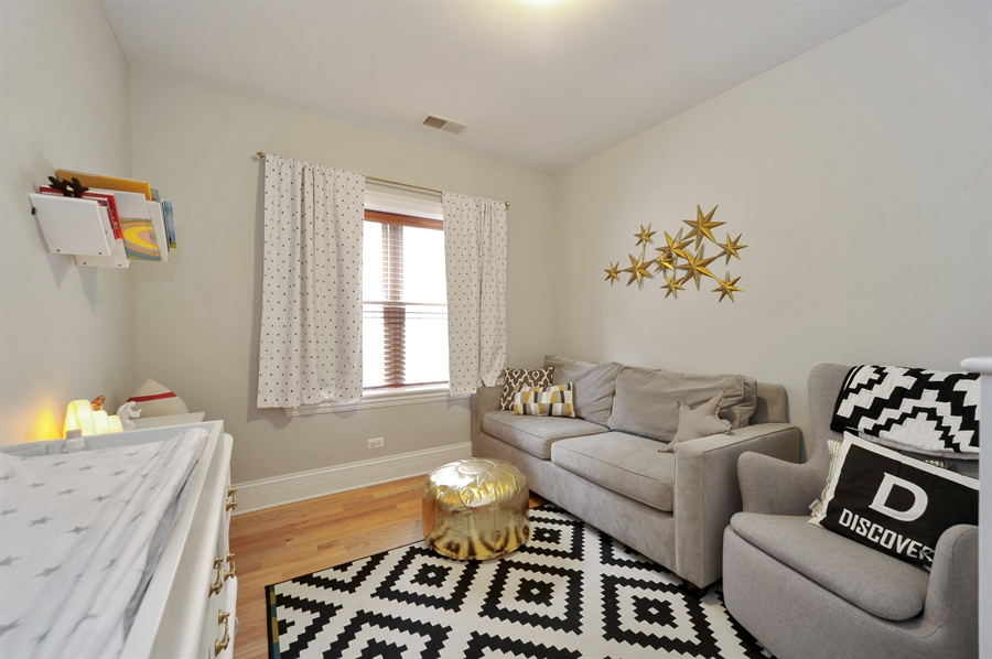 Real Estate Photography - 3933 N Marshfield Ave, Unit 2s, Chicago, IL, 60613 - 2nd Bedroom
