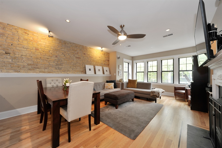Real Estate Photography - 3933 N Marshfield Ave, Unit 2s, Chicago, IL, 60613 - Living Room / Dining Room