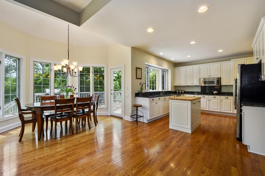 Real Estate Photography - 28367 W Heritage Oaks Rd, Barrington, IL, 60010 - Kitchen / Breakfast Room