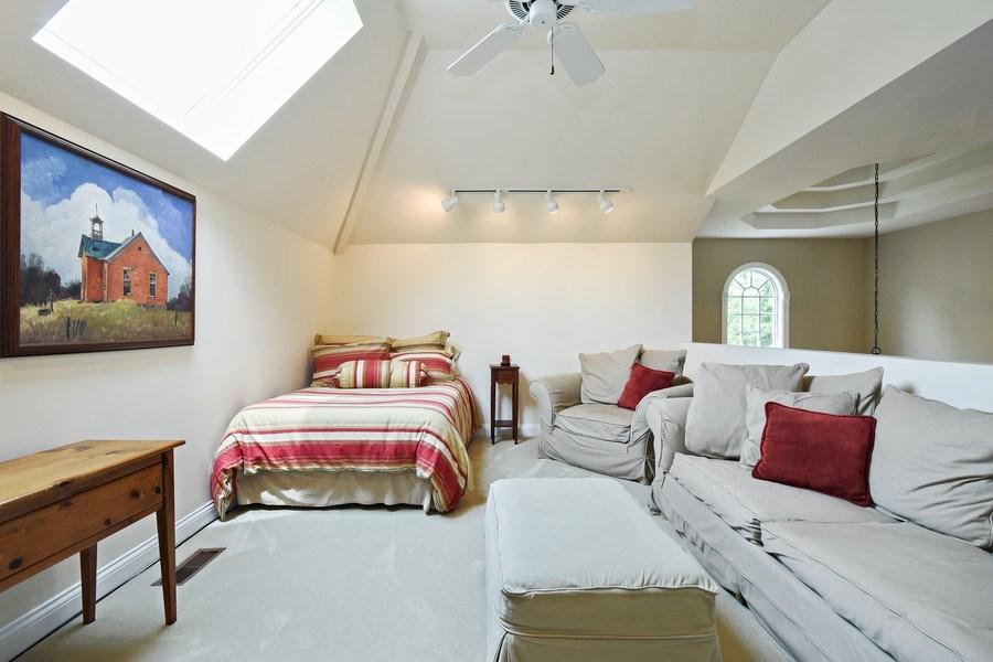 Real Estate Photography - 28367 W Heritage Oaks Rd, Barrington, IL, 60010 - Loft