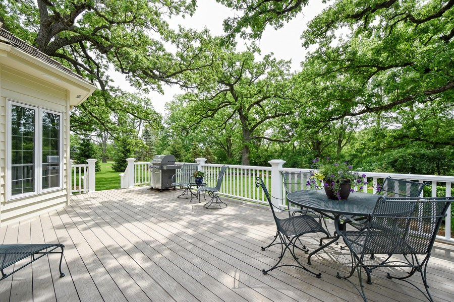 Real Estate Photography - 28367 W Heritage Oaks Rd, Barrington, IL, 60010 - Deck