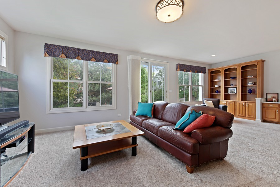 Real Estate Photography - 2223 Thistle, Glenview, IL, 60026 - Family room