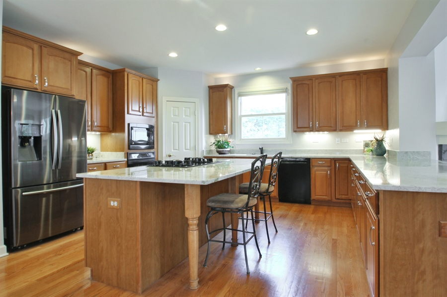 Real Estate Photography - 2223 Thistle, Glenview, IL, 60026 - Kitchen