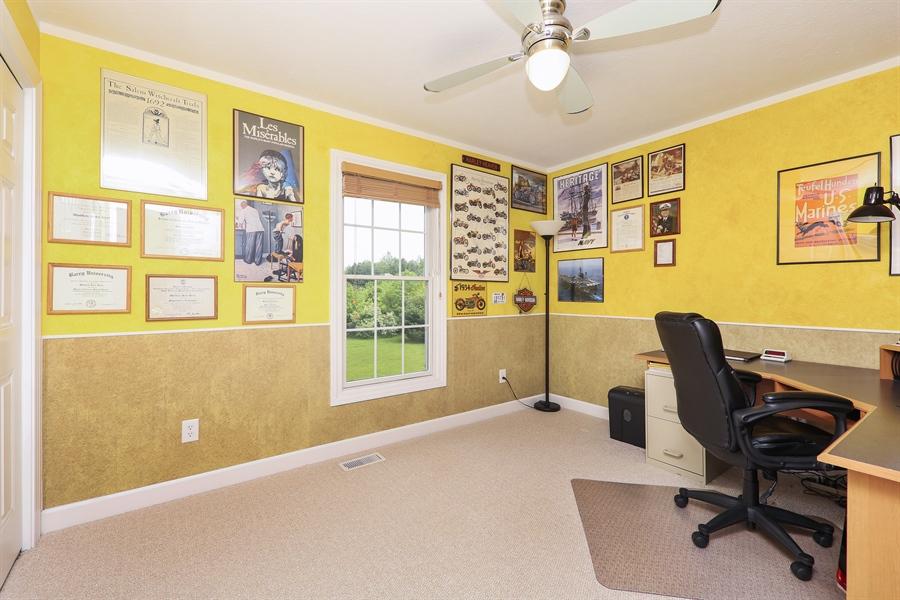 Real Estate Photography - 1679 Carolyn Drive, Benton Harbor, MI, 49022 - 2nd Bedroom