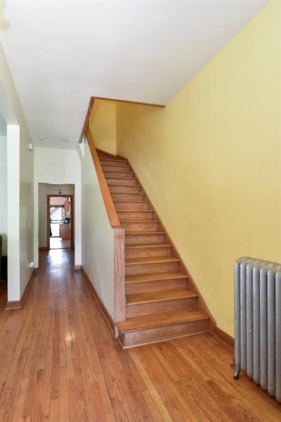 Real Estate Photography - 3227 W Fulton Blvd, Chicago, IL, 60624 - Foyer
