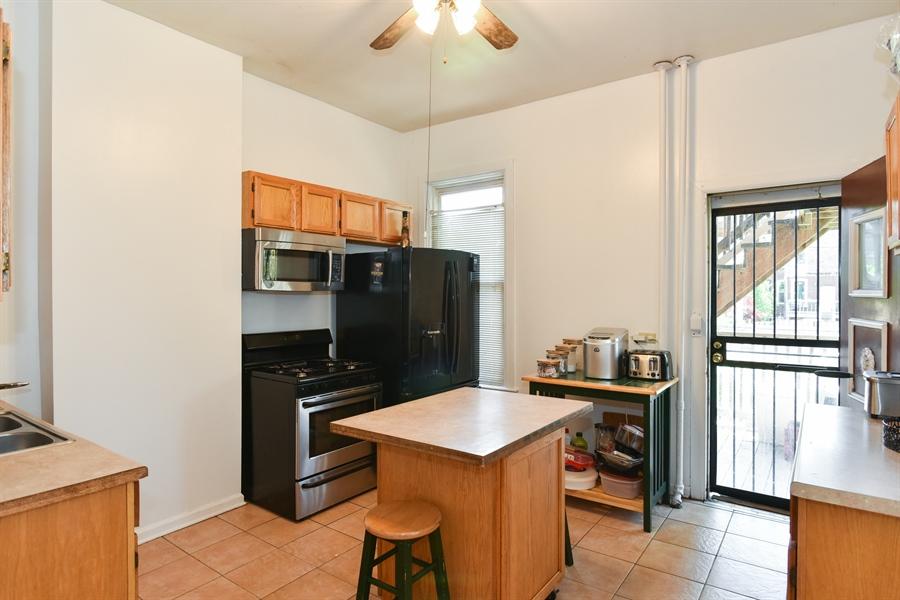 Real Estate Photography - 3227 W Fulton Blvd, Chicago, IL, 60624 - Kitchen