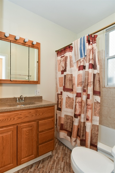 Real Estate Photography - 3227 W Fulton Blvd, Chicago, IL, 60624 - Bathroom