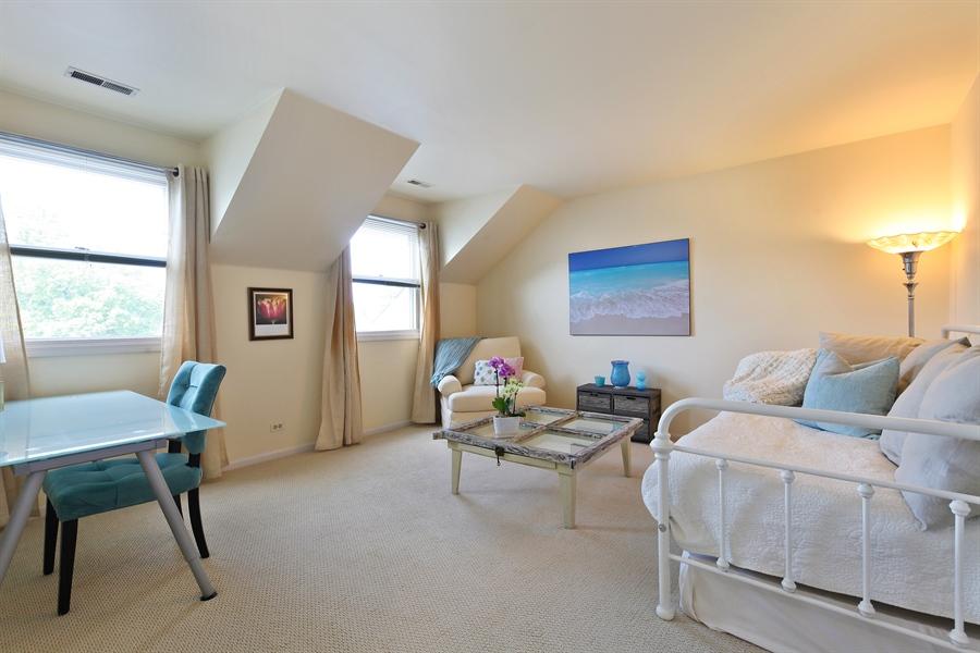 Real Estate Photography - 2527 Live Oak, Buffalo Grove, IL, 60089 - 2nd Bedroom