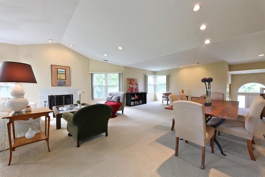 Real Estate Photography - 2527 Live Oak, Buffalo Grove, IL, 60089 - Great room